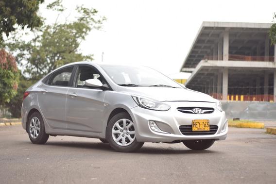 Hyundai I25 Gris Plata 1400 5 Puertas