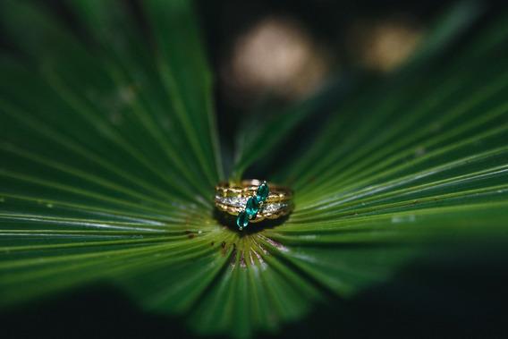 Anillo De Oro 18k Esmeralda Y Diamantes