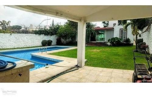 Casa Un Nivel Con Enorme Alberca Al Sur De Cuernavaca