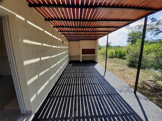 Hermosa Propiedad A Estrenar En Villa Parque Siquiman