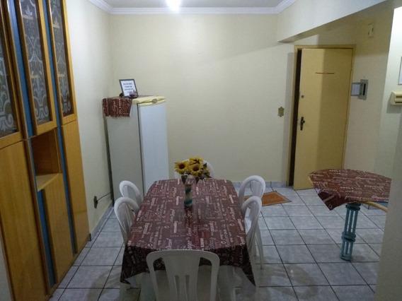 Apartamento De 3 Quartos No Centro De Caldas Novas
