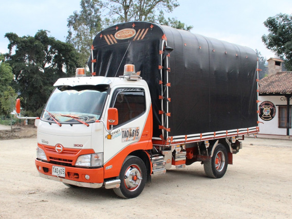 Camión Hino 2017 - Estacas