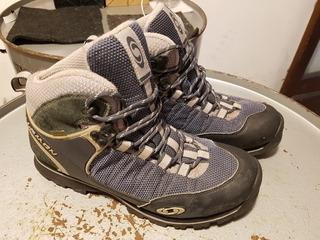 Botas Zapatillas Trekking Salomón Gore Tex