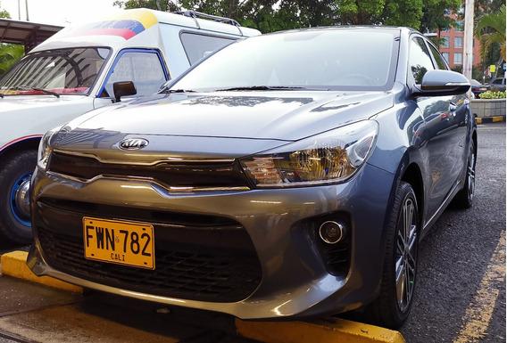 Kia Rio Vibrant Motor 1.4 2019 Gris 5 Puertas