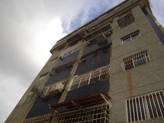 Apartamento En Alquiler. Tierra Negra. Mls 20-1916. Adl.