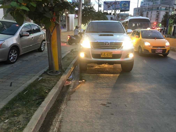 Toyota Hilux 87. Millones