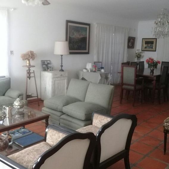 Casa Con Pileta Y Parr. En Yerba Buena