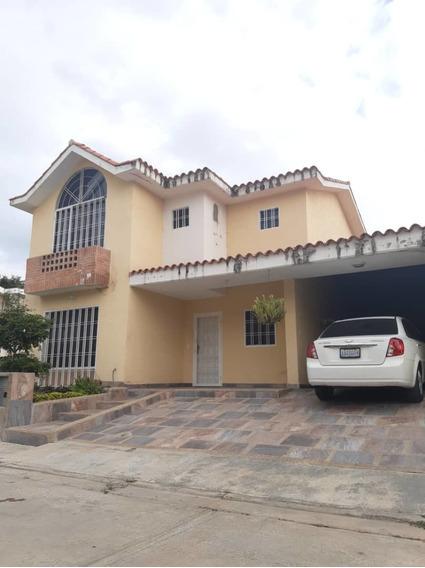 Rosaura Cortez Vende Townhouse San Diego Villa Paraiso