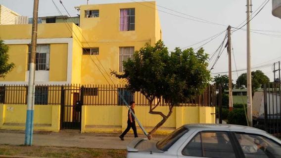 Casa Dos Niveles Con 6 Cuartos Santa Marina
