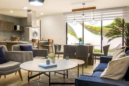 En Venta Hermosa Casa En Zibata, 3 Recamaras, Una En Pb, Jardín, Alberca, Lujo