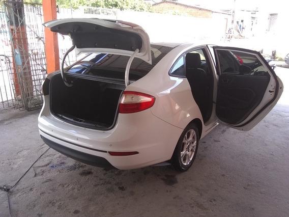 Ford Fiesta Sedan 1.6 Rocam Se Plus Flex 4p 2014