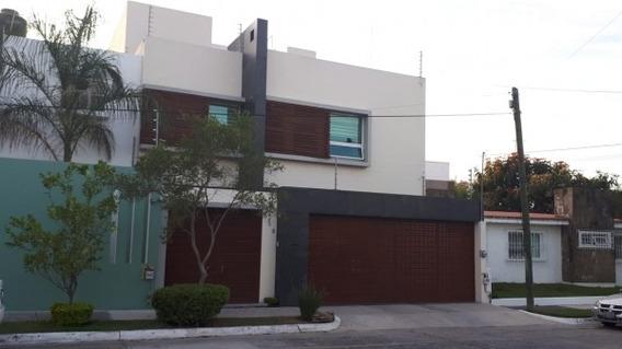 Excelente Casa En Venta En Jardines De Guadalupe