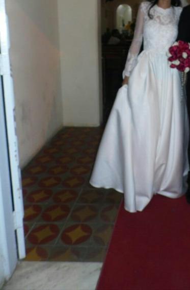Vestido De Noiva Lindo Com Véu,e Tiara De Zircônia