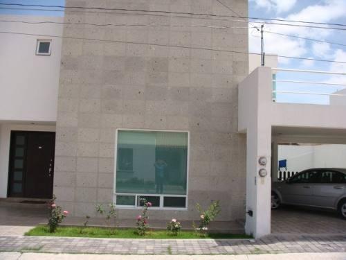 Preciosa Residencia En Villa Corzo, San José Iturbide, Lujo