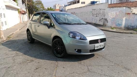 Fiat Punto 1.8 16v Essence Flex 5p 2011