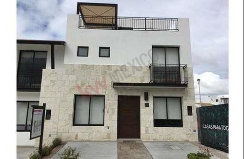 Casa En Venta En El Refugio Desde $ 3,084,264.00