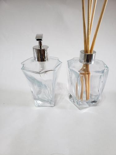 Imagem 1 de 5 de Kit Lavabo Frasco Elegance 210ml Transparente+bandeija