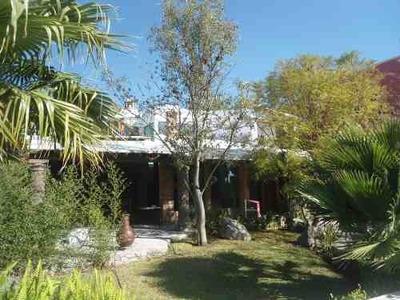 Hermosa Casa En Venta De 2 Niveles Ubicada En El Fraccionamiento Vista Real ,