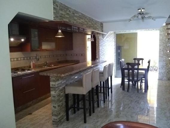 Casa En Alquiler Al Norte De Barquisimeto 20-2314