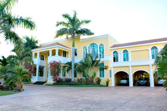 Exclusiva Residencia En El Club De Golf La Ceiba Merida.