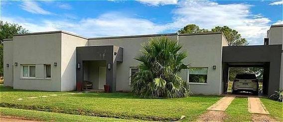 Venta Hermosa Casa Estilo Moderno En Lobos Country Club