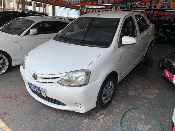 Toyota Etios 2014 1.5 Sedan 16v X 4p