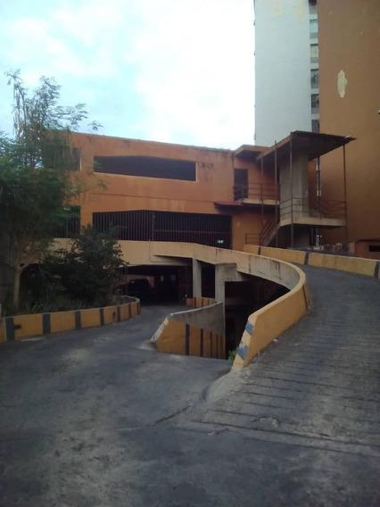 Venta De Hermoso Apartamento En Urb El Centro 04243725877