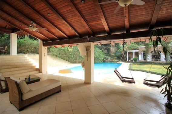 More Numa Casa ,num Condomínio Fechado ,na Chácara Flora - 353-im405221