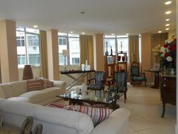 Apartamento Em Copacabana Com 247 M2 Próximo À Praia