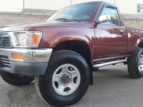Toyota 1990 4x4 Pick Up Standar 4 Cilindros