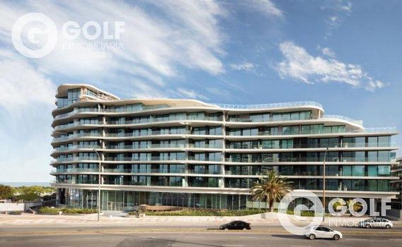 Vendo Apartamento De 1 Dormitorio Con Vista Al Mar, Garaje Y Box, Forum, Puerto Del Buceo, Montevideo