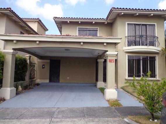 Casa En Venta Paseo Dorado #19-4538hel** En Altos De Panama