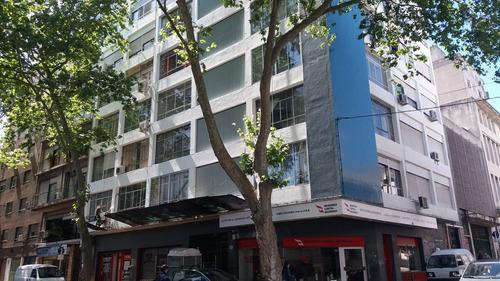 Imagen 1 de 14 de Buen Apartamento Céntrico Muy Cómodo, Alquilo O Vendo