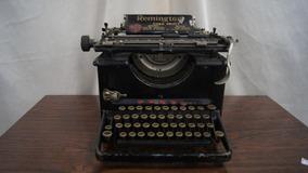 Antiga Maquina De Escrever Remington Funcionando