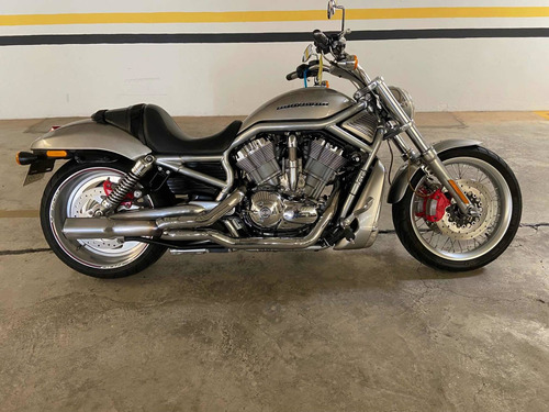 Imagem 1 de 6 de Harley Davidson V Rod