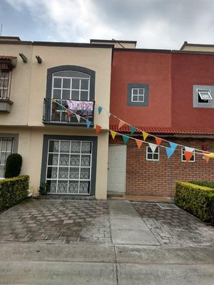 Casa En Hacienda Del Valle I, 3 Recamaras