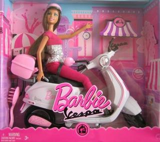 Barbie Doll & Vehículo W Muñeca Barbie & Vespa Scooter 2008