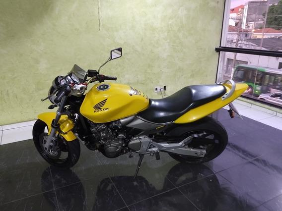 Hornet 2006 Super Conservada