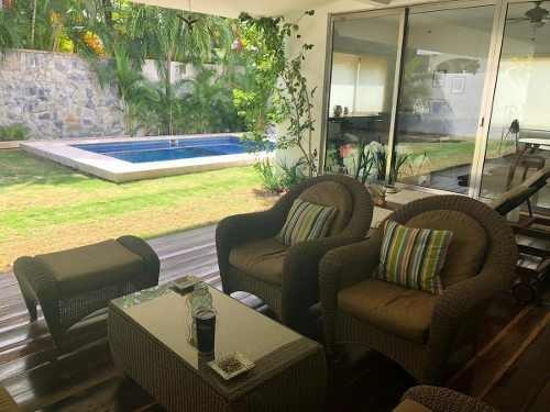 Villa Magna. Bonita Casa En Venta De 4 Recámaras. Smz 310 Cancún Quintana Roo
