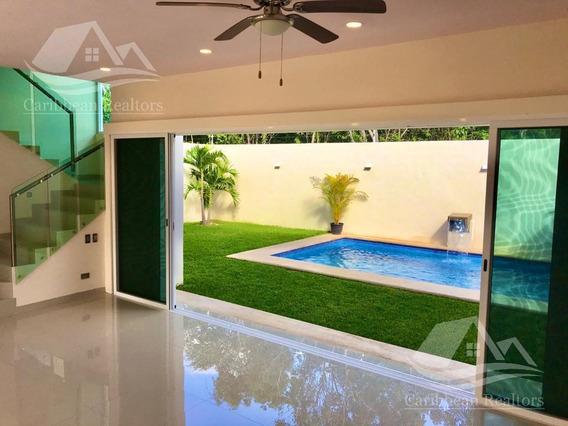 Casa En Venta En Cancún Colegios
