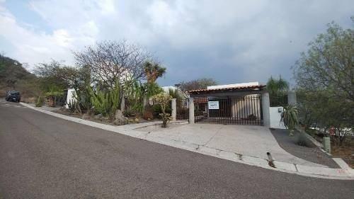 Residencia En Renta En Vista Real Y Country Club, 880 M2
