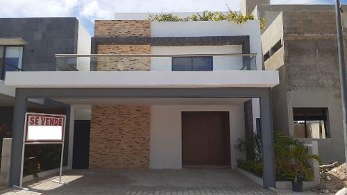 Venta De Casa Residencial Aqua Av Huayacan Cancun