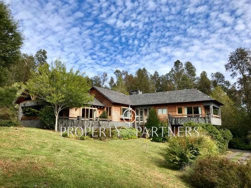 Imagen 1 de 30 de Increíbles Casas En Pucón Con Vista Al Lago Villarrica