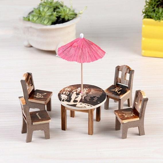 Miniatura De Mesa C/ 04 Cadeiras + 01 Guarda Chuva