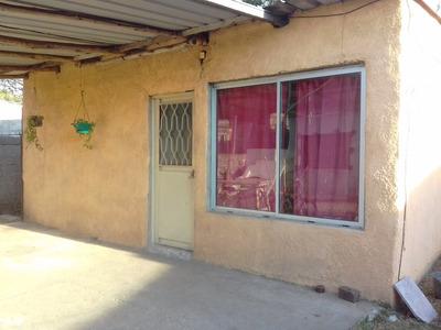 Dos Casas En Zona De Lezica
