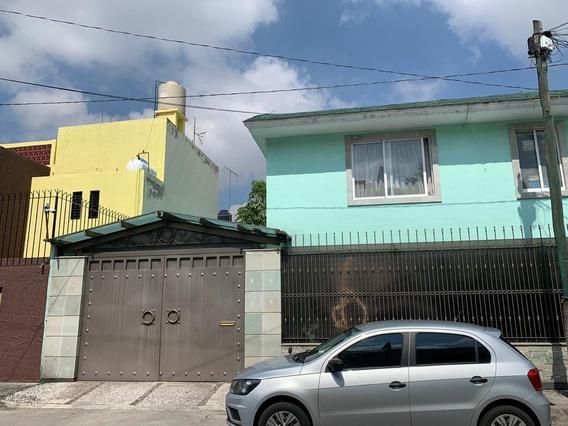 Paseos De Churubusco.- Venta De Casa En Calle Cerrada Parque