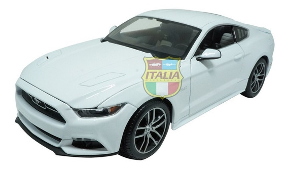 Ford Mustang Gt 2015 Exclusive Edition 1:18 Maisto Branco