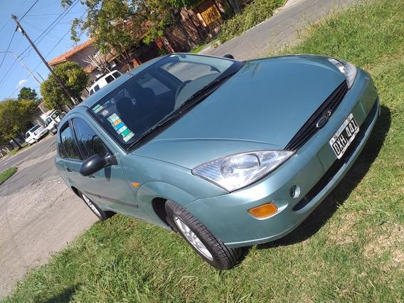 Ford Focus 2.0 Ghia 2001
