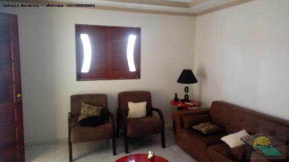 Casa Para Venda Em Maceió, Graciliano Ramos, 3 Dormitórios, 1 Suíte, 2 Banheiros, 2 Vagas - C-01