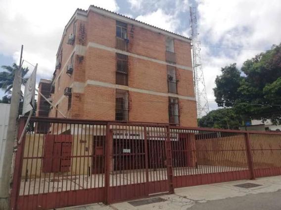 Apartamento En Venta Centro De Cabudare 20-12648 Mmm